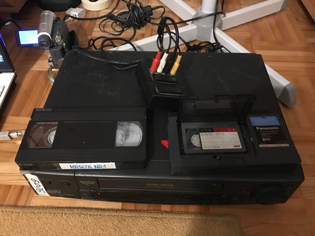 VHS –> DV.