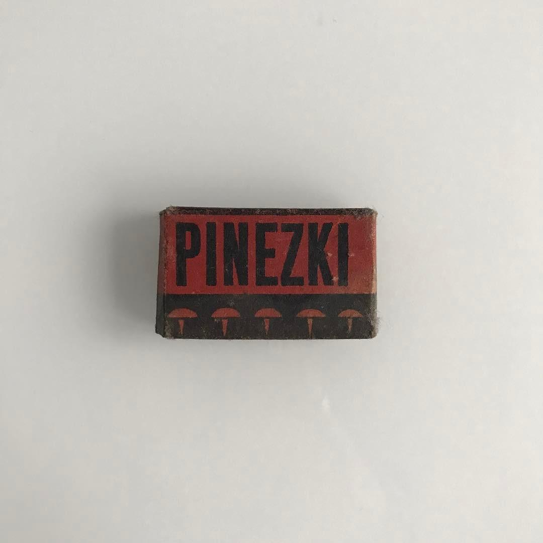 Pinezki.